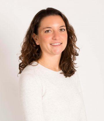 Dr Claire Feniuk